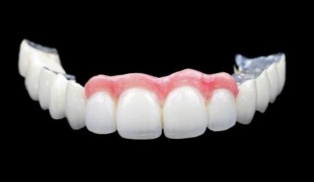 19832583_s_artificial teeth