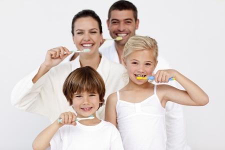 kid's dentist_10244504_s