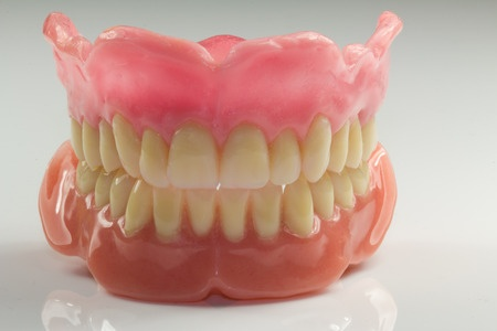 beautiful dentures 33675566_s