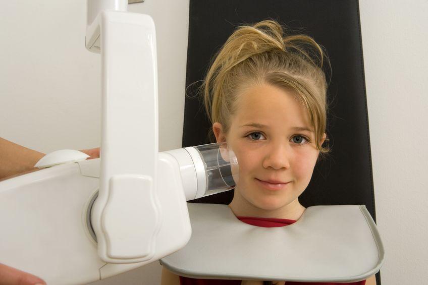 38024562_m_children's dentist